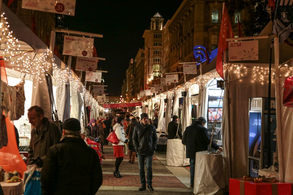downtown holiday market washington dc penn quarter shopping