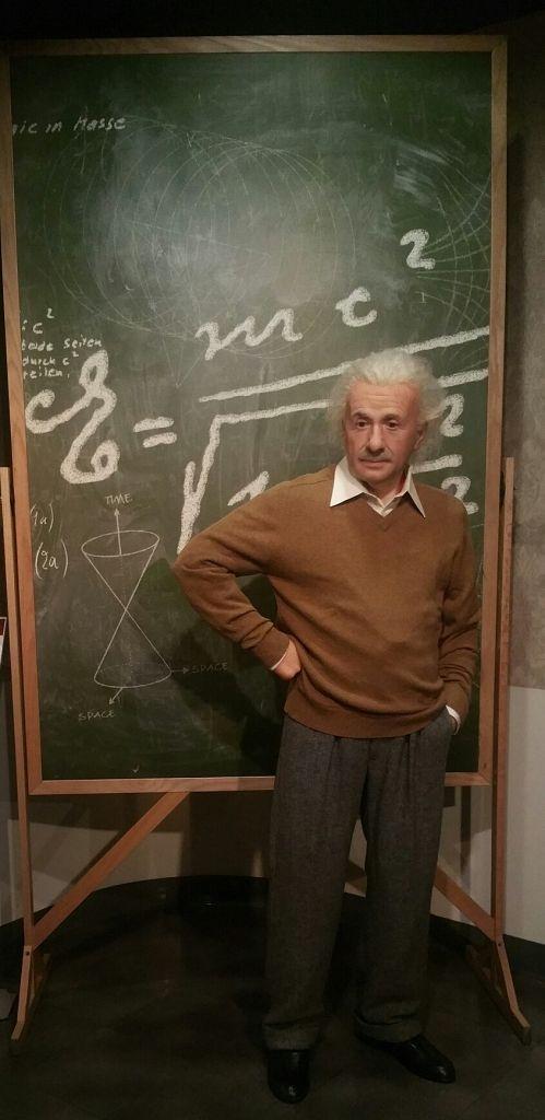 Albert Einstein 8-11-15