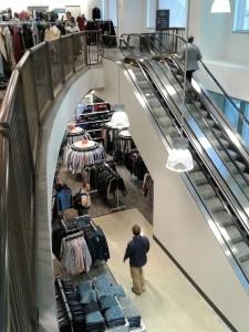 nordstrom-rack-washington-dc-penn-quarter-downtown-retail-clothing-discount-esclator-view
