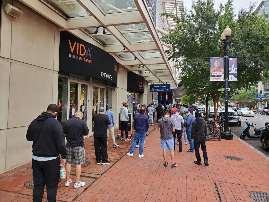 bettors in line at william hill washington dc capital one downtown