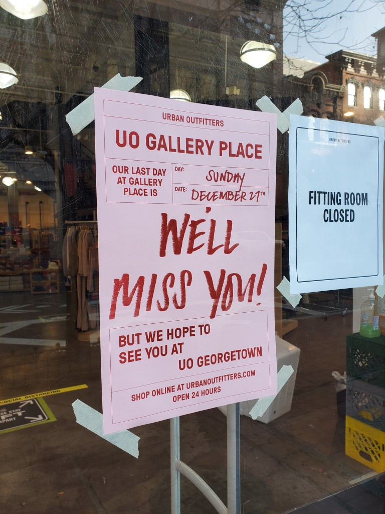 urban outfitters closing