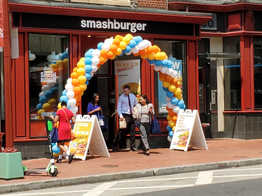 smashburger 804 7th st nw washington dc entrance